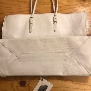Balenciaga Bags - Authentic Balenciaga large papier in white.